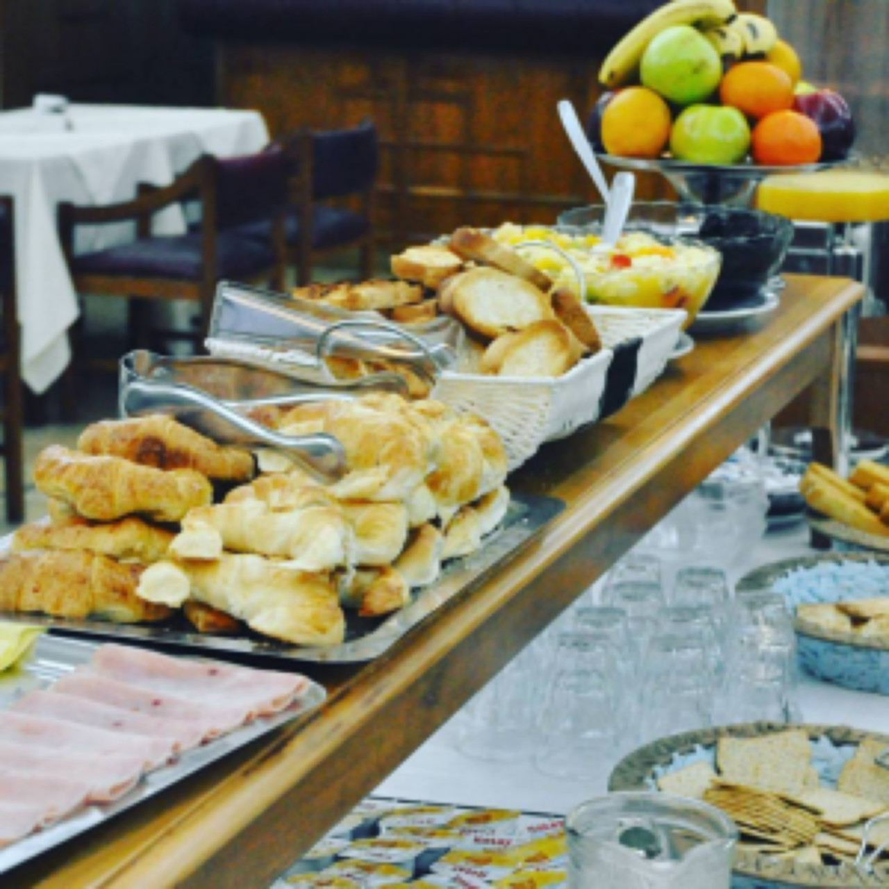 confectionery buffet breakfast Hotel Libertador Trelew Chubut